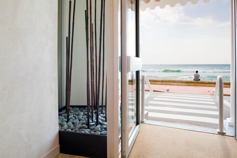 coffret cadeau plaisir volupt h tel les roches noires les sables d 39 olonne. Black Bedroom Furniture Sets. Home Design Ideas